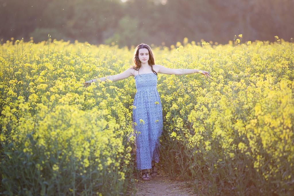 2018 - Ella in the oilseed 004