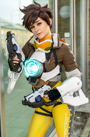 Sammy as Tracer - MCM London Comic Con - 26th May 2018
