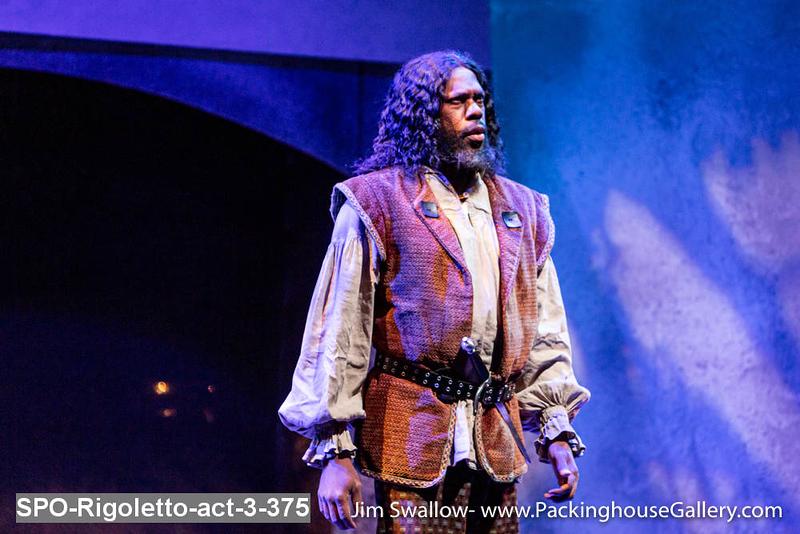 SPO-Rigoletto-act-3-375.jpg