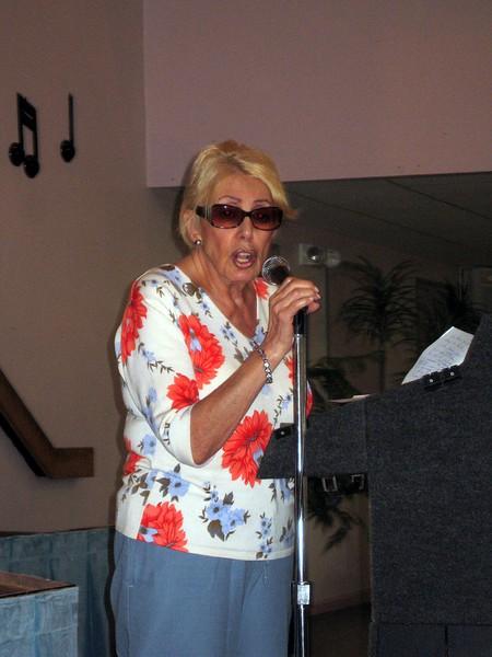 Phyllis (Bernice's friend) sings Second Hand Rose
