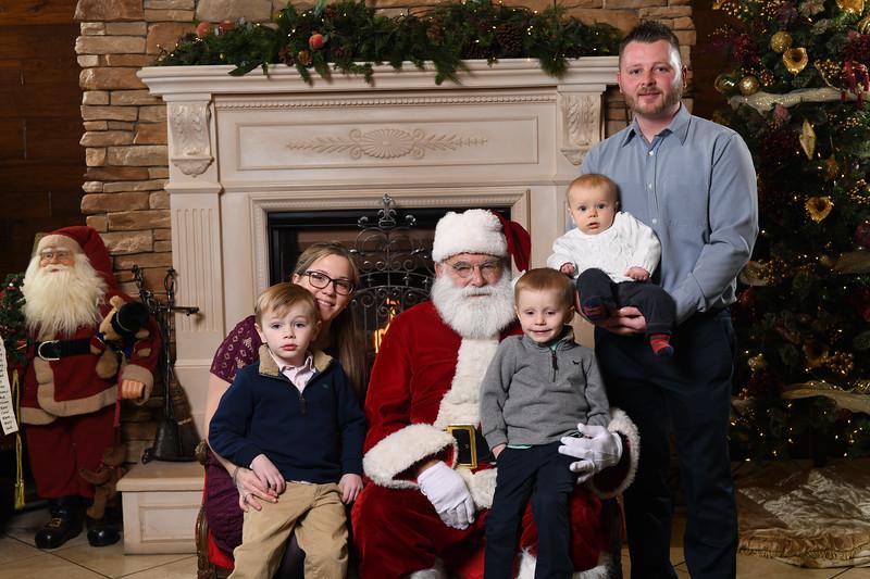 Santa2018.TylerBoye.-102.jpg