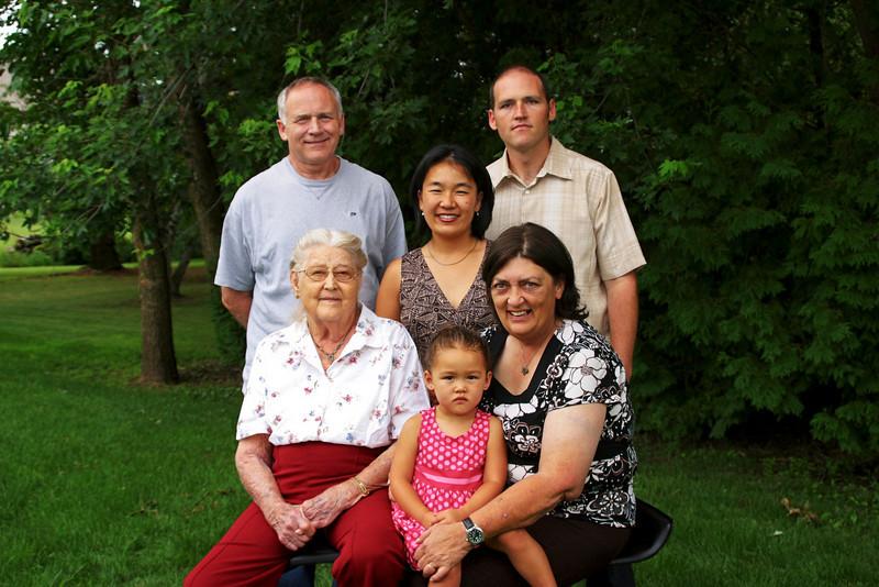 Carol dan chad christina emily grandma.jpg