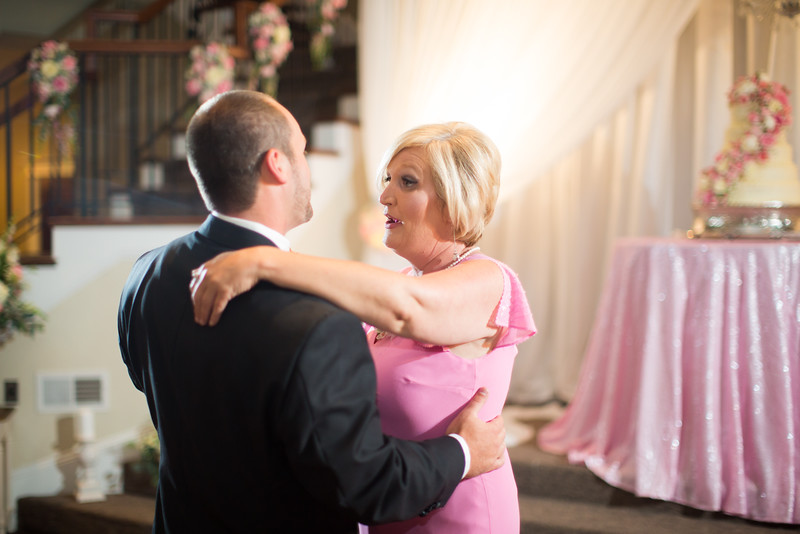 0916_Josh+Lindsey_Wedding.jpg