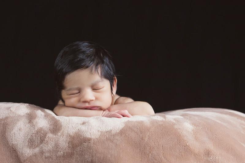 baby-ayden-new-born-portrait_0005.jpg