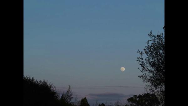 2012 april moon rise