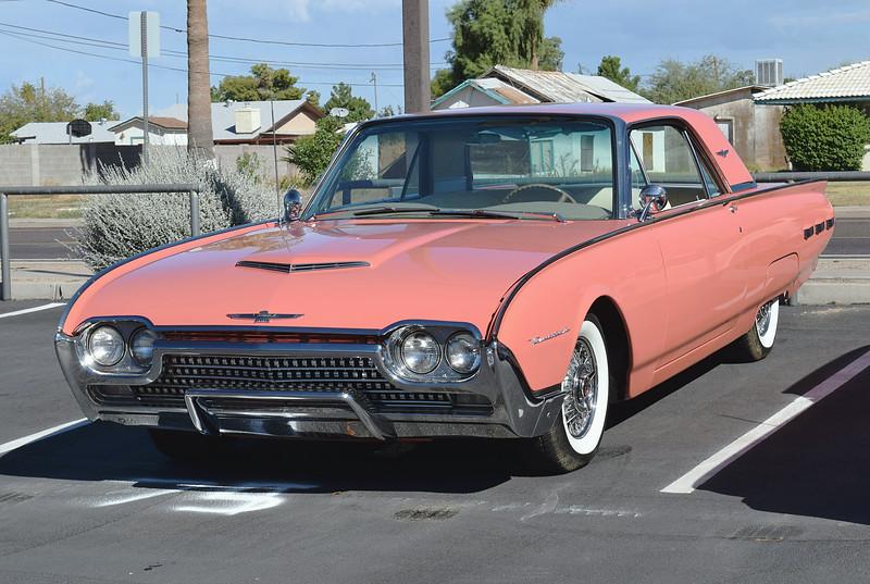 Ford 1962 Thunderbird ft lf.JPG