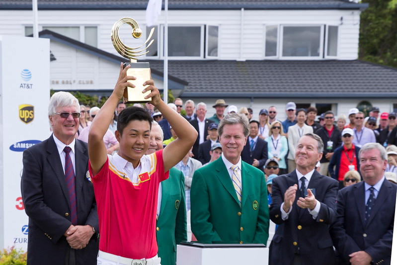 Yuxin Lin from China with his trophy  after winning the Asia-Pacific Amateur Championship tournament 2017 held at Royal Wellington Golf Club, in Heretaunga, Upper Hutt, New Zealand from 26 - 29 October 2017. Copyright John Mathews 2017.   www.megasportmedia.co.nz