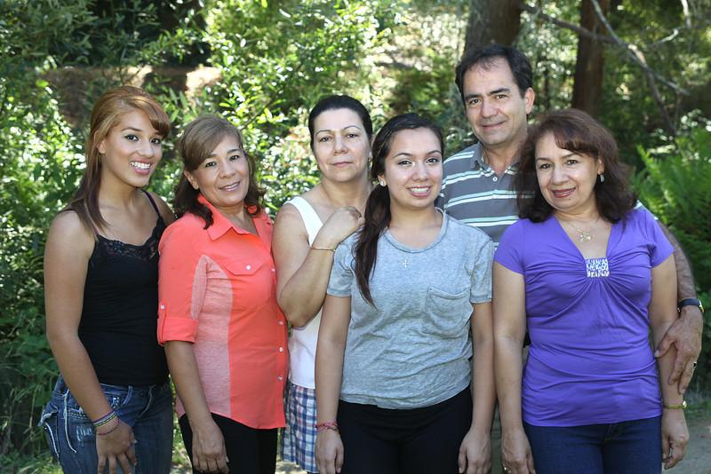 IMG_0667 Osorio Extended family group.jpg
