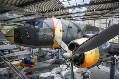 14+01 Douglas DC3