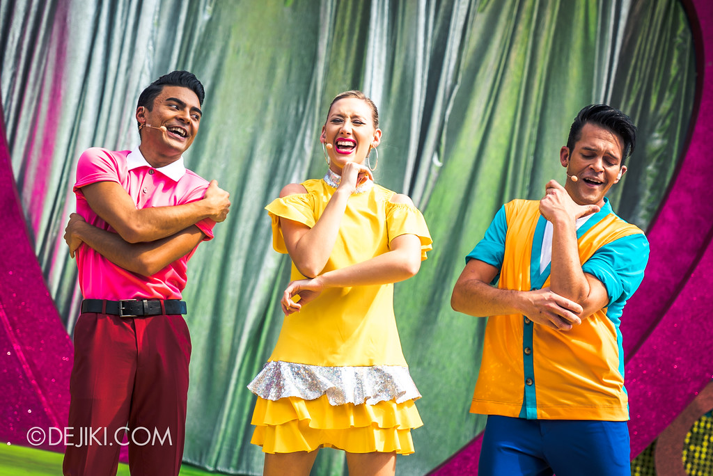 Universal Studios Singapore Park Update March 2018 TrollsTopia event - Hug Time Trio show