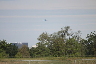 Space Shuttle Fly Over of Washington DC