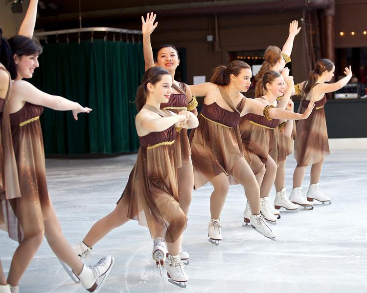 Skating  10057.jpg
