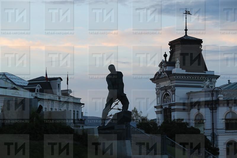 Муса Җәлил һәйкәле, памятник Мусе Джалилю
