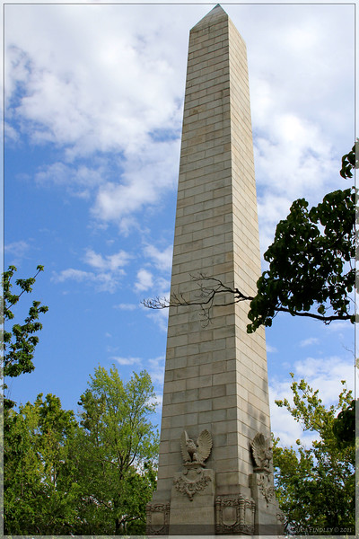 Jamestown monument