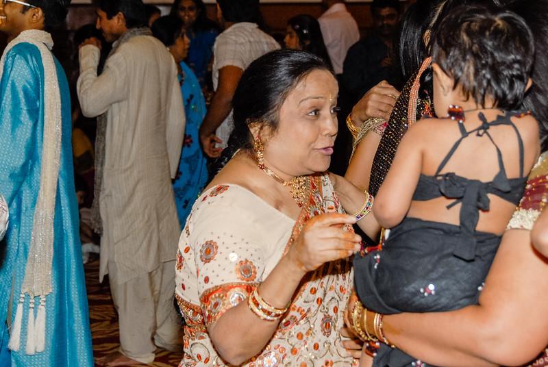Wedding_Bombay_1206_367-2.jpg