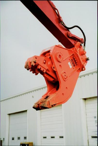 NPK U21J concrete pulverizer on Link-Belt excavator (35).JPG