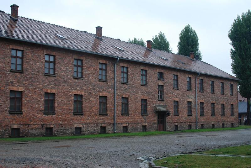 F Auschwitz housing 1 .jpg
