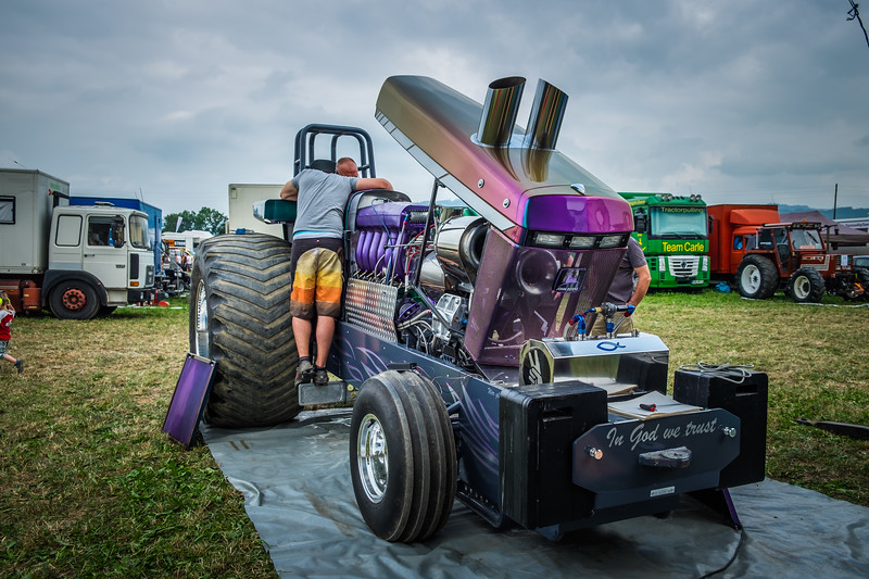 Tractor Pulling 2015 XE2-2503.jpg