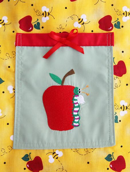 apple worm.jpg