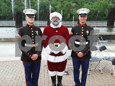 the-mall-of-americas-first-black-santa-us-army-veteran-larry-jefferson-of-texas