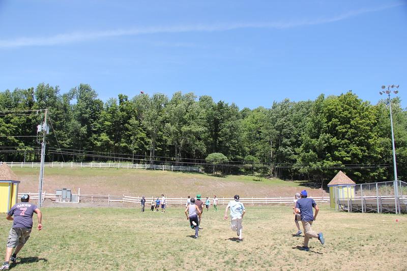 kars4kids_thezone_camp_boys_football (14).JPG