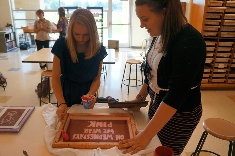 Lutheran-West-Art-Class-Silk-Screen-T-Shirts--September-2012--29.JPG