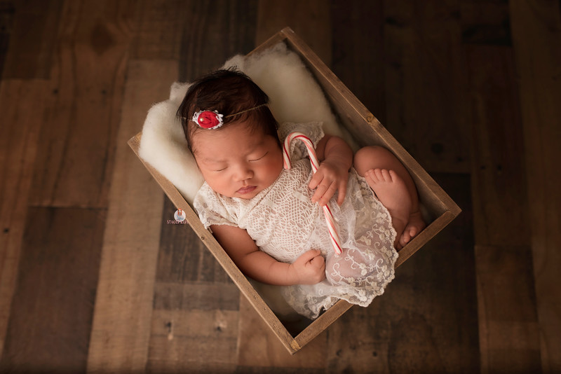 newborn-photographer-7058Camilla.jpg