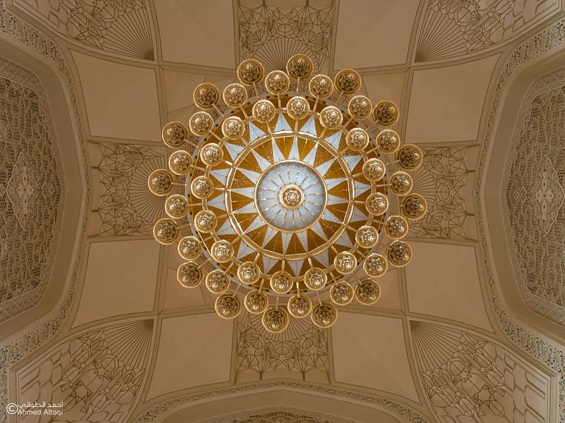 Sultan Qaboos mosque -- Sohar (54).jpg