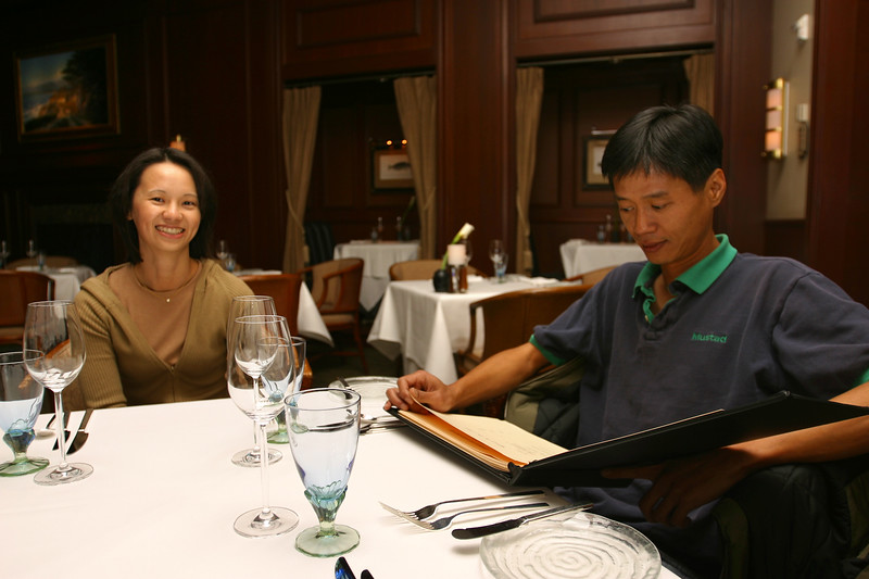 Since we didn't stop in San Francisco, Valerie and I invite her brother Henri to join us for dinner at Navio, the hotel's main restaurant