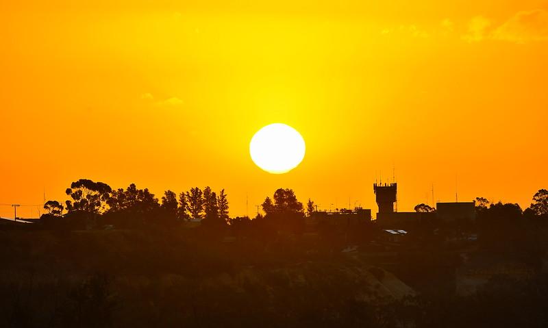 Sun goes down on Waikerie