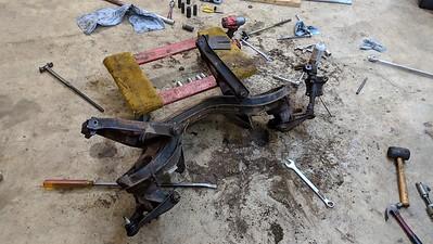 2019-03-23 - Taking apart Sunbeam front suspension