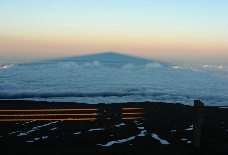 312- 20080414- Hawaii 19- Mauna Kea DSC_3349 Shadow of the Mountain.jpg
