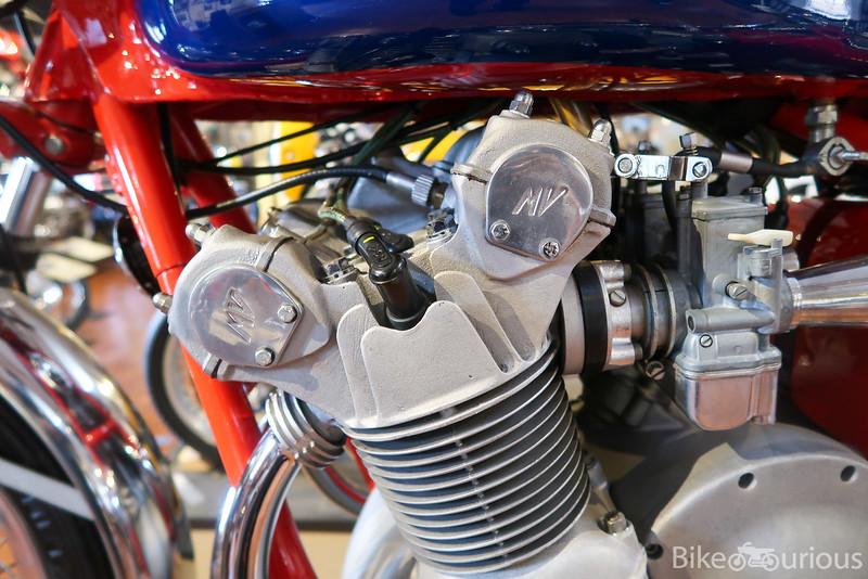 MV Agusta 750S - Engine.jpg