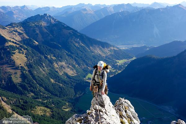 Westwandkante alpine climbing at Rote Flüh, Tannheim 2013-10-25