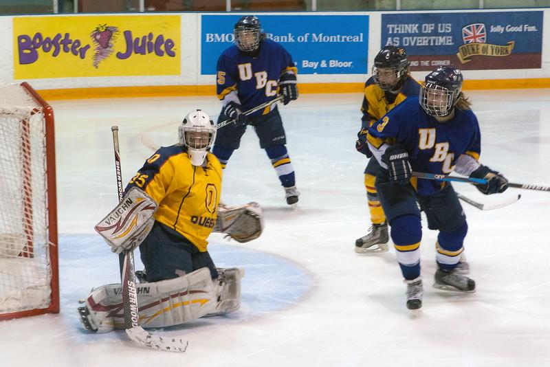 20130310 QWHockeyvsUBC 202.jpg