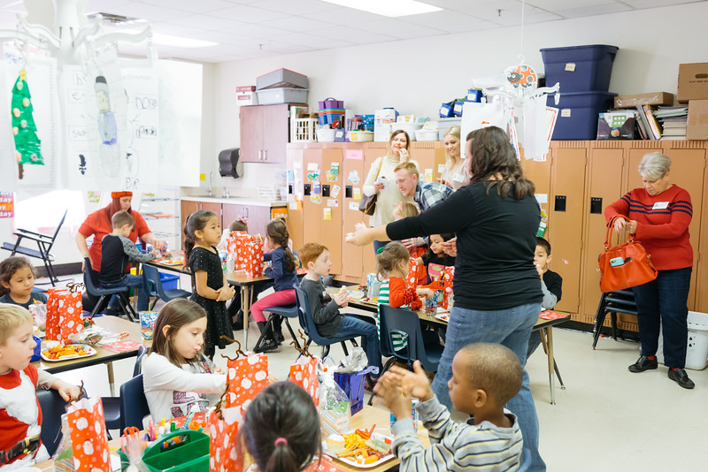 MRS. BOWMAN'S CLASS X-MAS PARTY 2016.jpg
