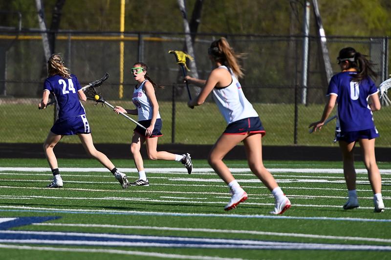 girls_lacrosse_2420.jpg