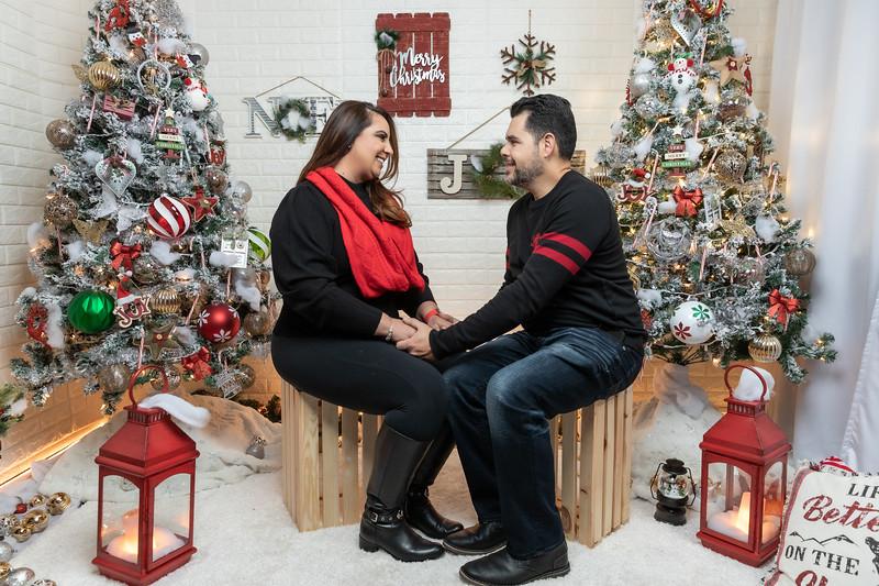 12.18.19 - Vick's Christmas Photo Session 2019 - -75.jpg