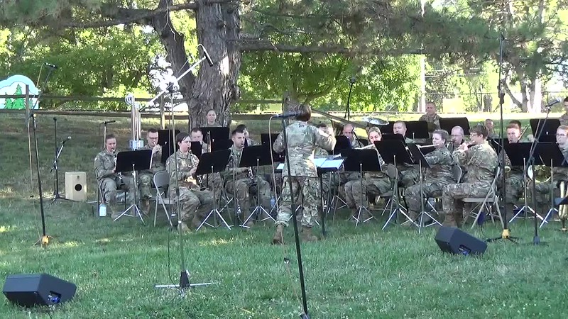 2018 Video - 126th Army Band Concert at the Zoo - Show Time by Heidi 008.MP4