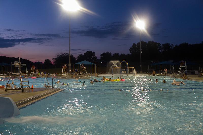 Hampton Dolphins Pool Party-0015-1120769.jpg