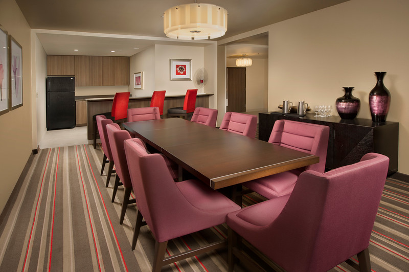 41-Prz Suite Dinning-CY Grapevine.jpg