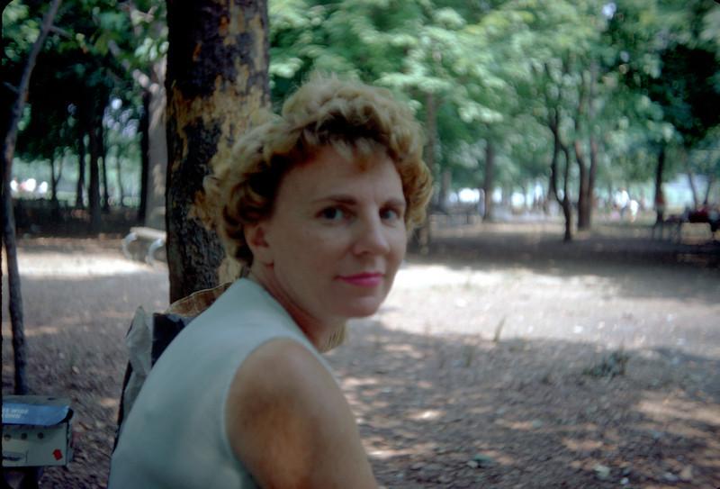 mommy closeup on picnic.jpg