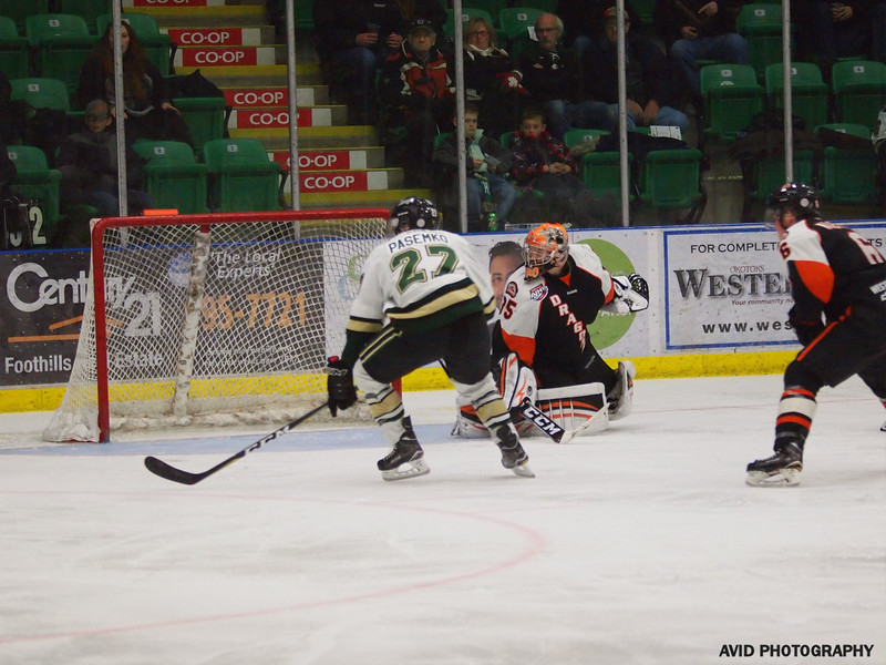 Okotoks Oilers vs Drumheller Dragons. Nov4th (70).jpg