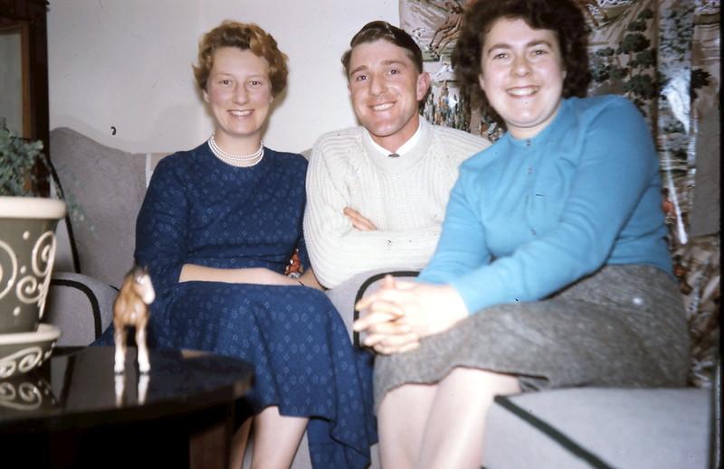 1960-1-24 (15) Ivy, Mervyn & me @  Foxham.JPG