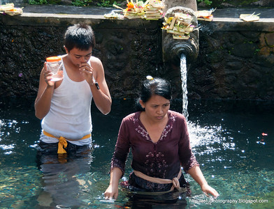 Pura Tirta Empul Temple pt 1 - June 2011