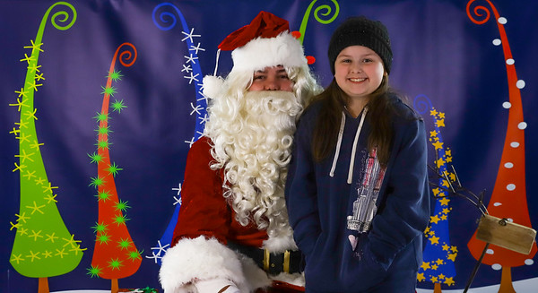 Linda Chaffee - Pet Pics with Santa