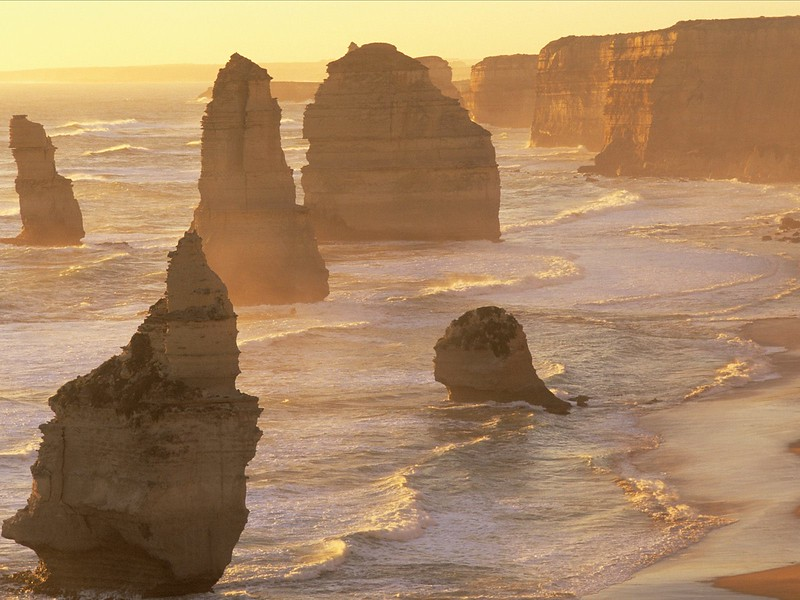 Twelve Apostles, Port Campbell National Park, Victoria, Australia.jpg