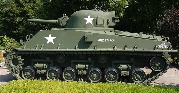 South Holland, IL Veterans Memorial Park - M4A3(105)