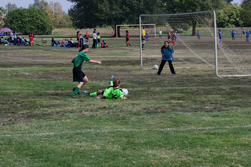 Soccer2011-09-17 11-24-29_1.JPG