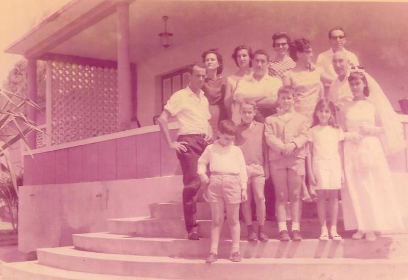 Dundo. Casal João Piedade e filhos, casal Fernandes, casal Basilio e filhos e casal Pina